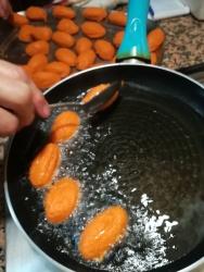 pôr a fritar